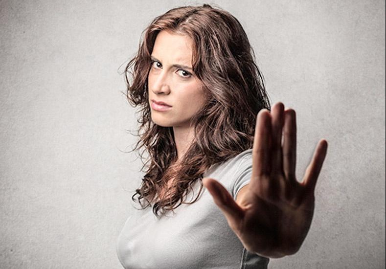 resolver una separación sentimental en la que hay chantaje