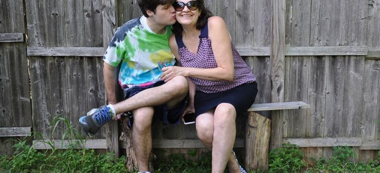 Madre con un hijo con autismo