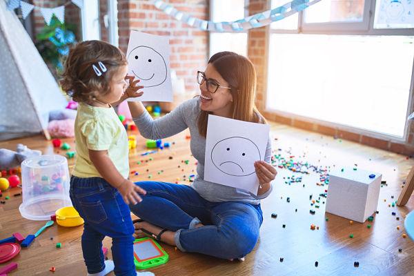 Psicólogos especialistas en niños de dos años